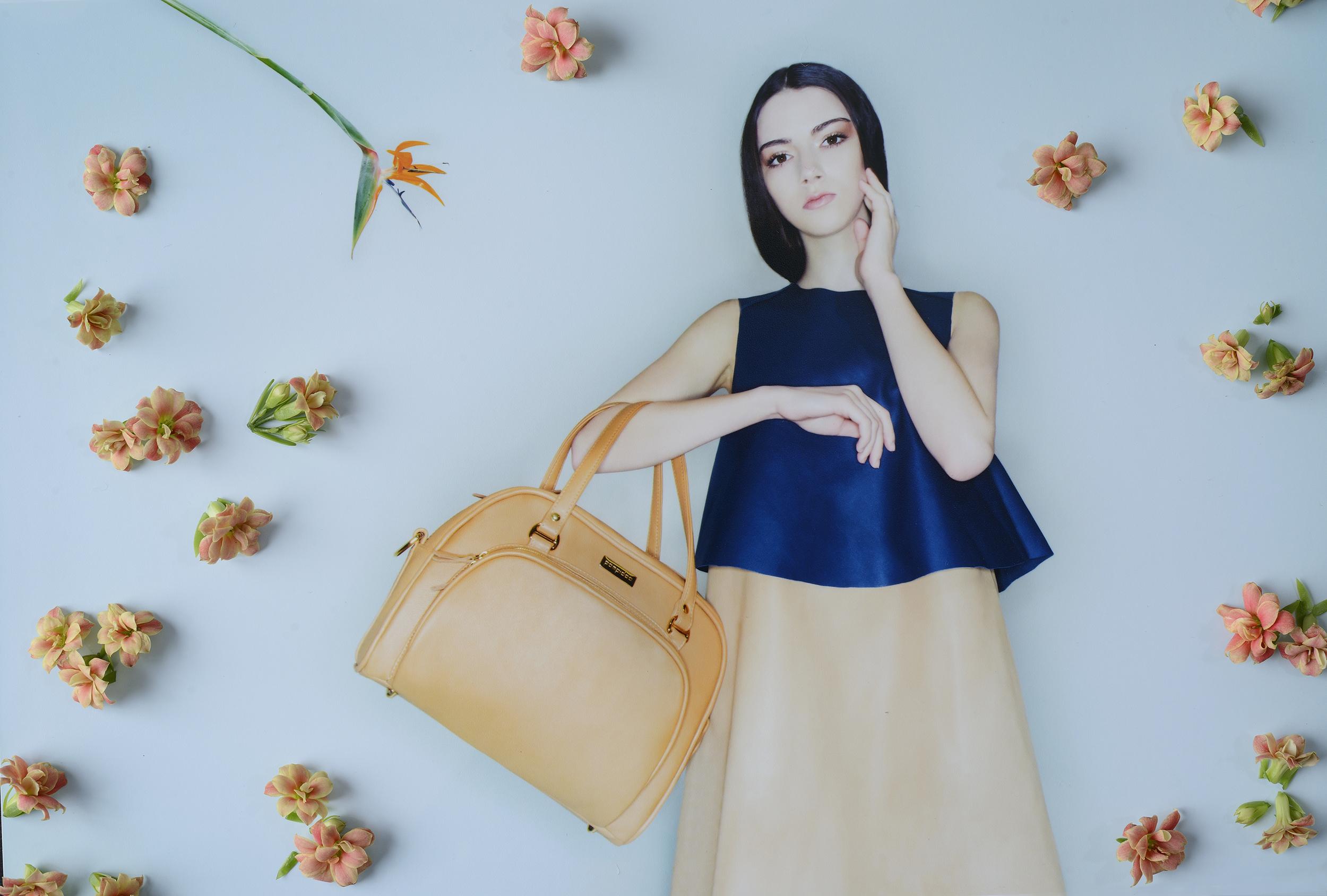 POMPIDOO_Palermo_stylish_camera_bag_Almond_main