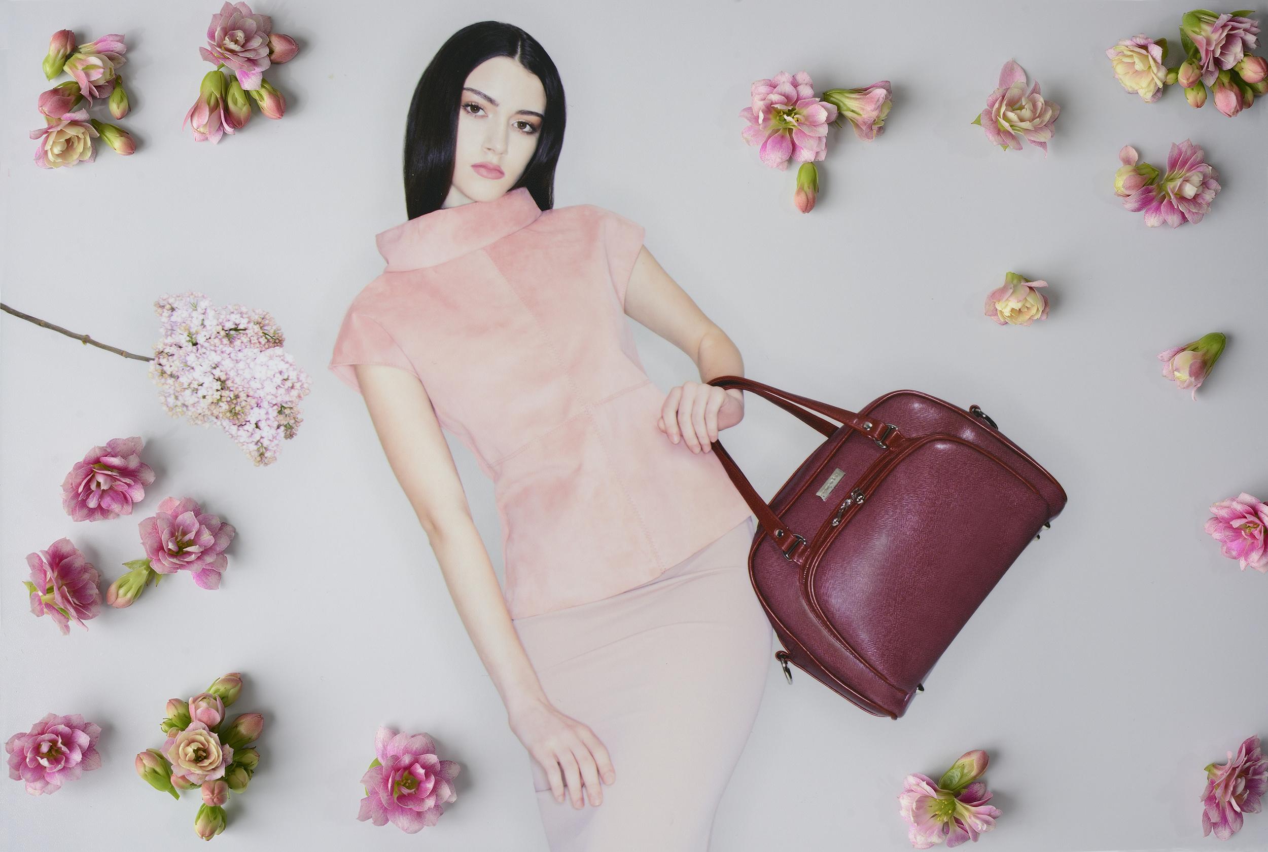 POMPIDOO_Palermo_stylish_camera_bag_Cherry_main
